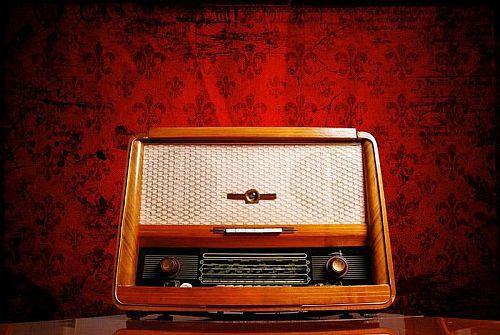 Ραδιόφωνα τέλος εποχής